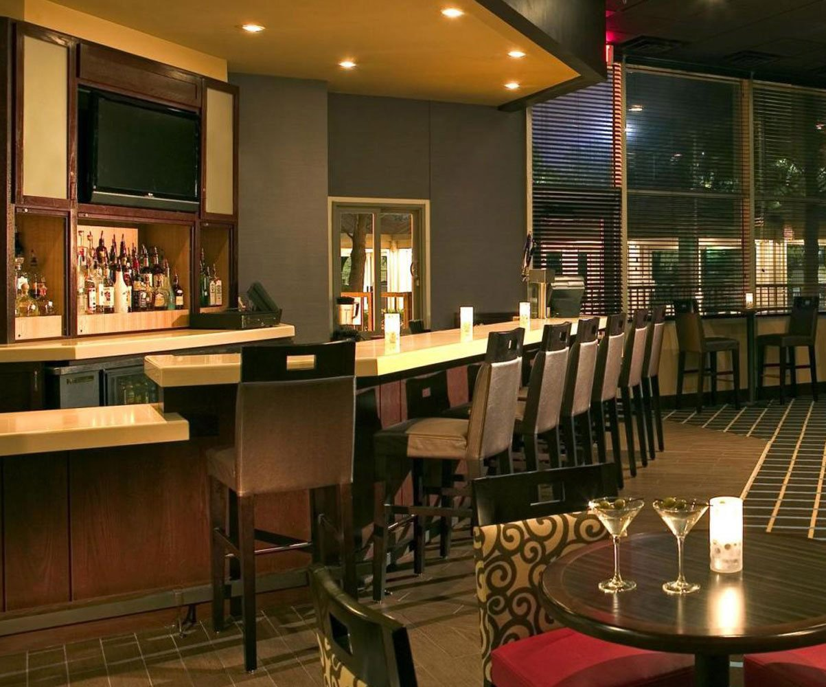 Hotel-Bar-At-Night-For-Boutique-Hospitality-Management